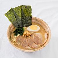 メッセの豚骨醤油ラーメン(メッセ盛り)