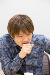 酒井一圭 写真:石阪大輔