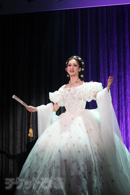 宝塚歌劇月組公演『エリザベート』の制作発表より 愛希れいか