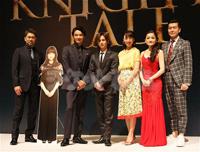 ミュージカル『ナイツ・テイル-騎士物語-』 (画像左から)岸祐二、井上芳雄、堂本光一、音月桂、島田歌穂、大澄賢也
