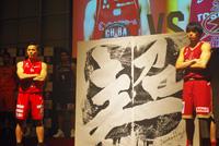 (写真左より)富樫勇樹(千葉ジェッツ)、篠山竜青(川崎ブレイブサンダース)