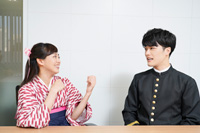 (画像左から)宮崎香蓮、入江甚儀 撮影:源賀津己