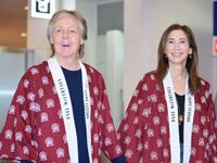 (画像左から)ポール・マッカートニー、ナンシー・シェヴェル (C)山本 佳代子 / Kayoko Yamamoto