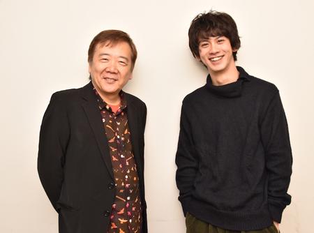 (画像左から)鴻上尚史、秋元龍太朗