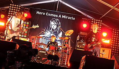 dustbox 15th Anniversary『Here Comes A Miracle』プレミア上映会