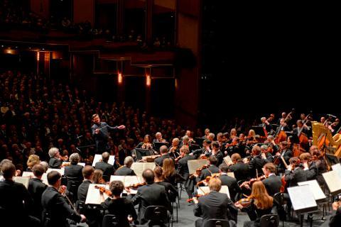 ドレスデン国立歌劇場管弦楽団 (...